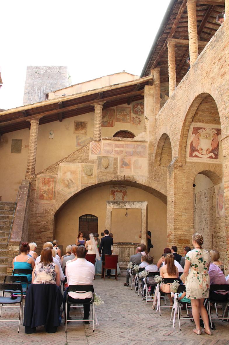 Guide San Gimignano Palazzo del Popolo hotel de ville-5