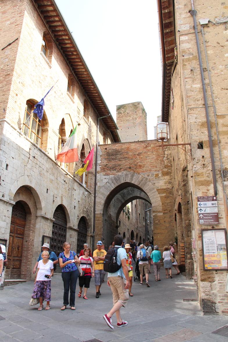 Guide San Gimignano via San Matteo-3
