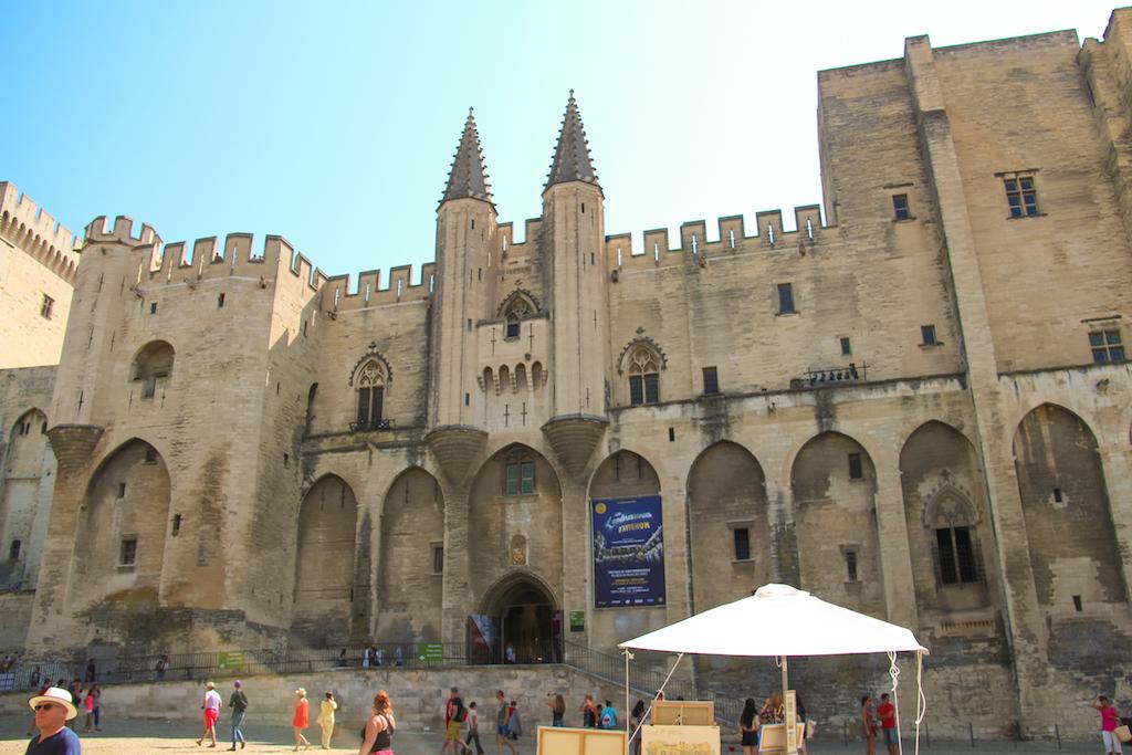 Villages du Lubéron-Palais des papes Avignon