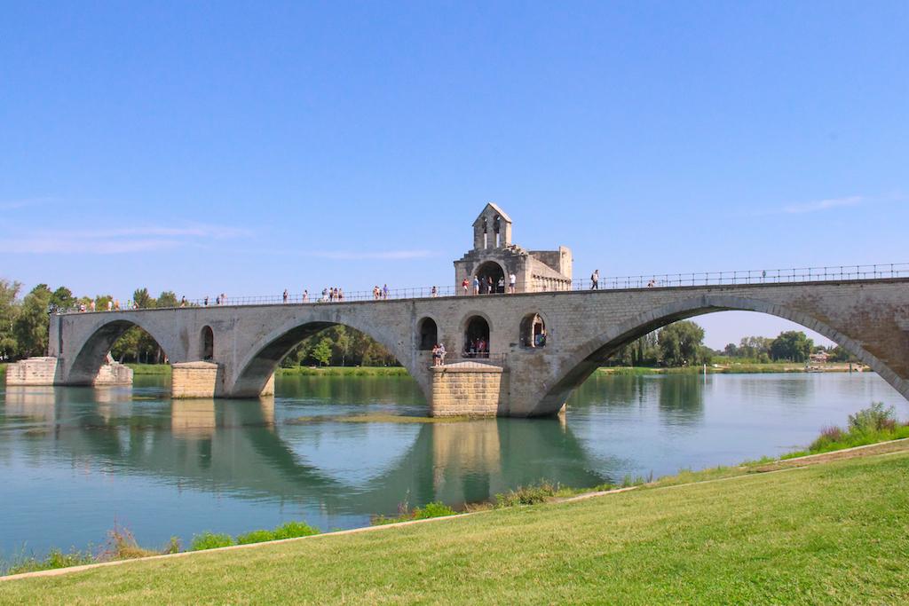 Villages du Lubéron-Pont d'Avignon